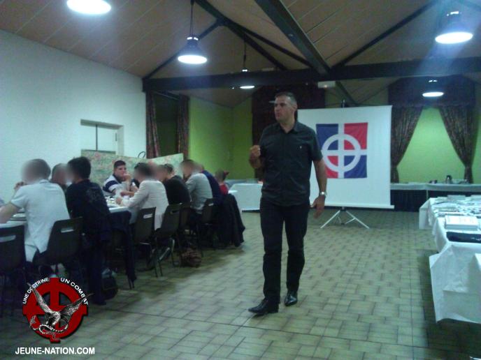 20130830-le-puy-en-velay-réunion-nationaliste (10)tw