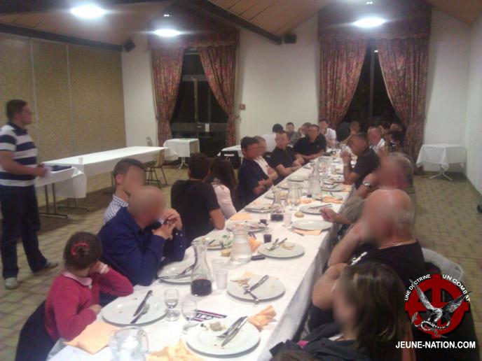 20130830-le-puy-en-velay-réunion-nationaliste-2jn