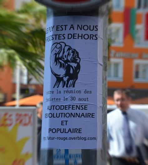 Un potelet antifasciste au Puy... bien seul