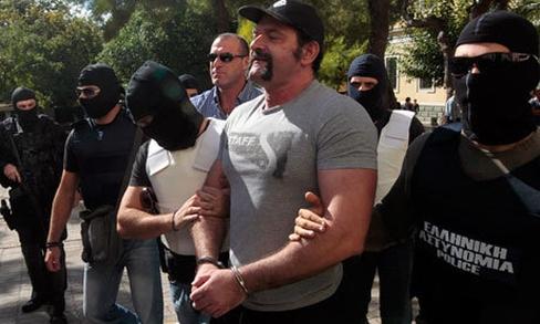 Golden-Dawn-members-arres-0102