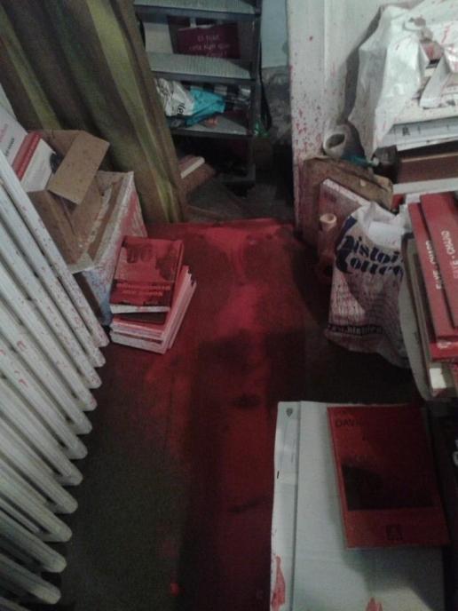 librairie-facta-attaquee (5)