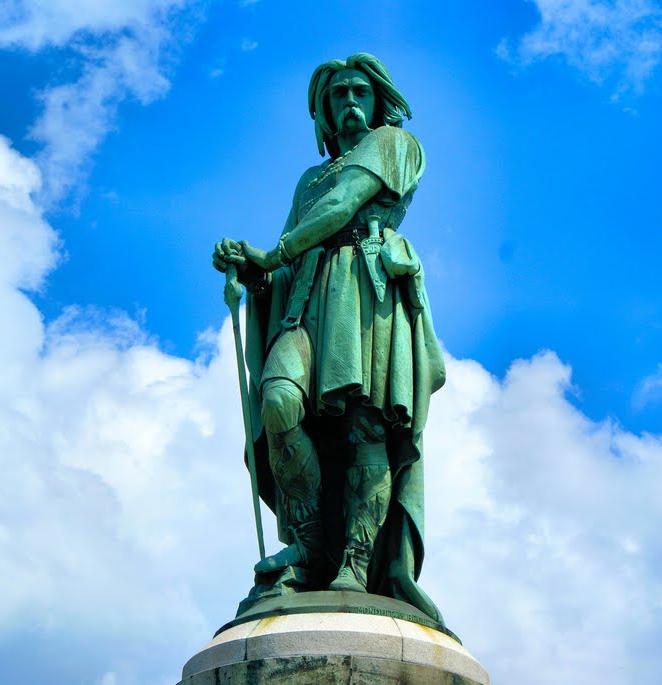 vercingetorix_monument_historique