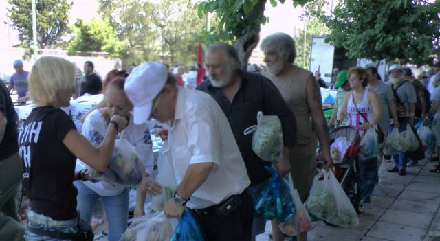 distribution_nourriture_athene_aube_doree_juinnet_2014-