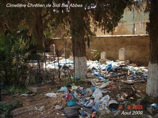 Un cimetière à Sidi bel-Abbès, siège à l'époque de la Légion étrangère en Algérie