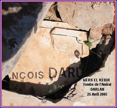 La tombe de l'amiral Darlan dans le même cimetière.
