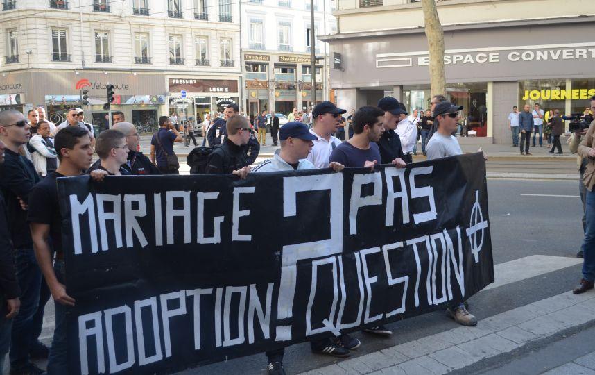 militants-nationalistes-mariage-adoption-pas-question-