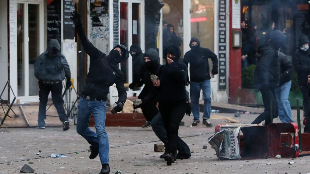 Aujourd'hui l'anarchie gauchiste - demain l'ordre nationaliste