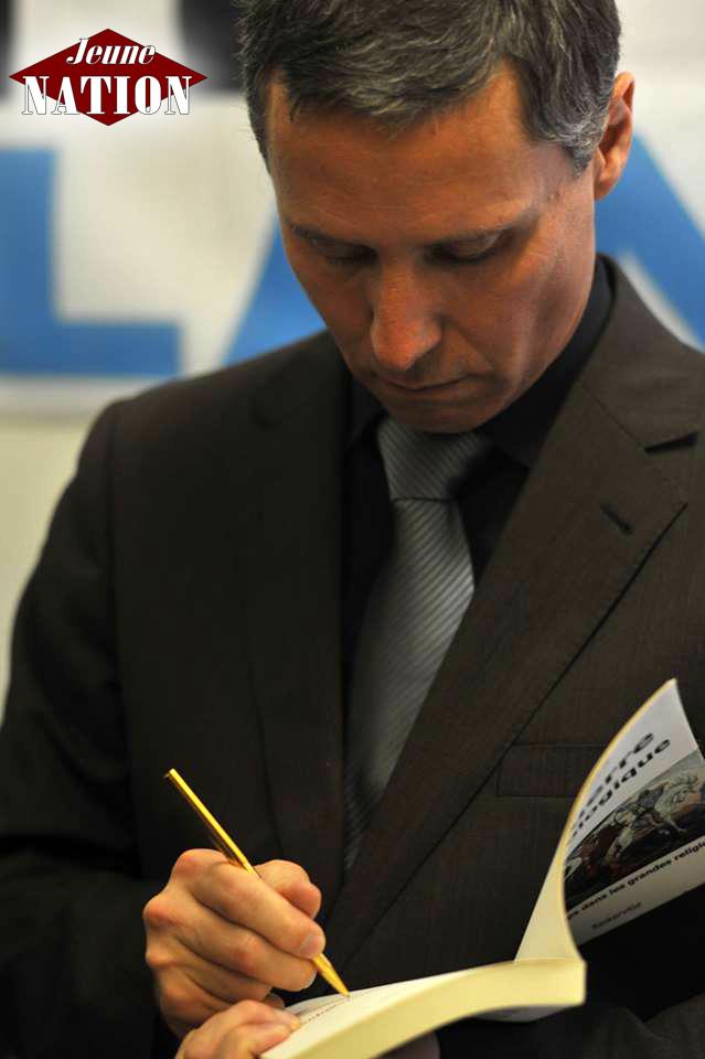 Hervé Ryssen Paris conférence dédicace 8 novembre 2014 (1)