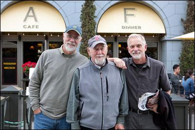 Au centre, David Ruenzel, en compagnie de deux autres Blancs reniés.