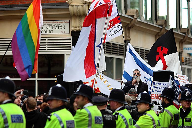 """Les prétendus """"défenseurs de l'Europe"""", réduite à Israël et aux droits des déviants sexuels."""