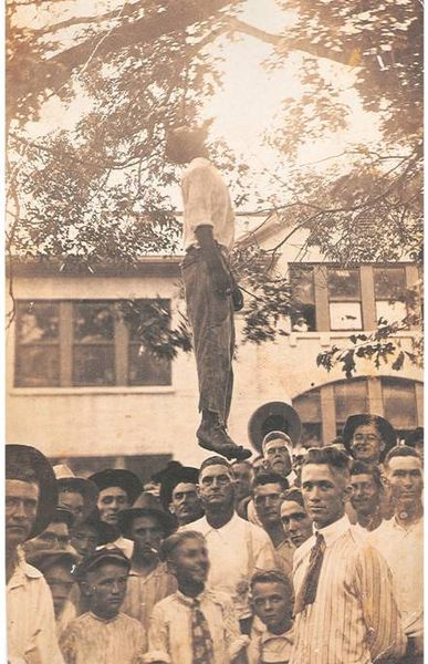 Lige Daniels, criminel noir assassin d'une vieille femme, condamné à mort et exécuté.