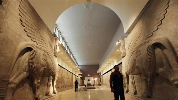 Le musée de Mossoul avant l'irruption des terroristes étrangers de l'État islamique.