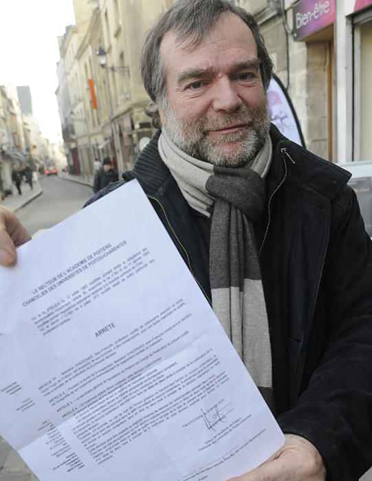 Bénéficiant de la complicité des juges rouges, de la presse et du gouvernement, l'extrémiste antifrançais Jean-François Cazerans ne sera pas jugé