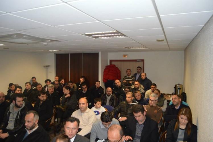 Affluence pour une réunion du PÉJ à Belfort