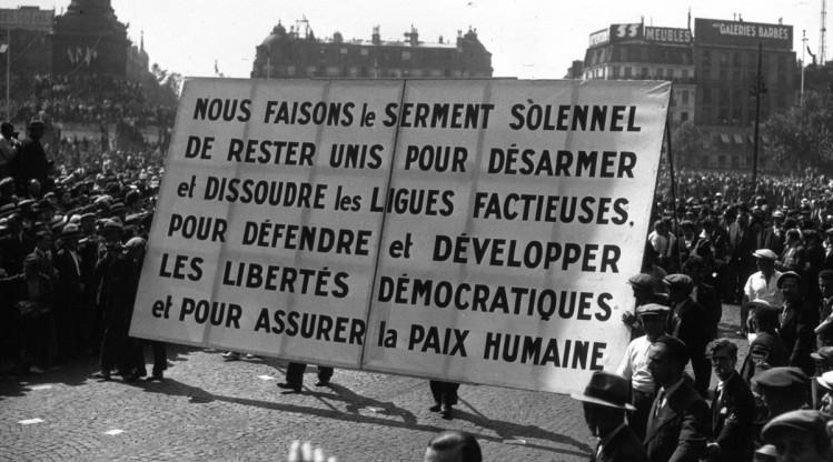 """Hier comme aujourd'hui, la priorité de la gauche n'est ni la lutte contre les oligarques, contre les financiers, contre la misère, contre les mafias ou contre le chômage mais contre """"l'extrême droite""""."""