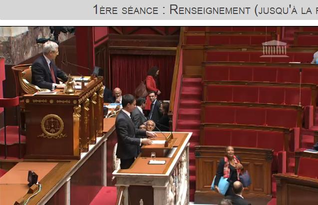 Si Christiane Taubira aime faire libérer les pires criminels, elle aime également se faire remarquer en arrivant en retard alors que le texte est largement dépendant de son ministère selon manuel Valls