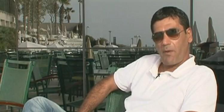L'escroc juif Gilbert Chickli profite de l'argent volé à la France dans l'État criminel d'Israël, paradis des faussaires.