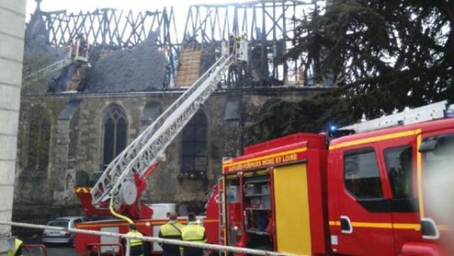 l'église de Saint-Martin-le-Beau-détruite par un incendie 16042015