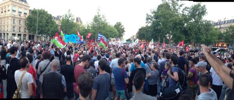 """Malgré les plans larges et travaillé la """"manifestation spontanée"""" de l'extrême gauche a fait un flop."""