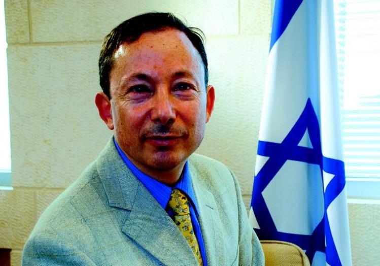 L'extrémiste juif Yigal Palmor, propagateur de la censure juive en Europe occupée