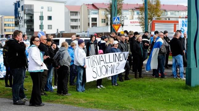 Finlande manifestation contre l'invasion 092015 (1)