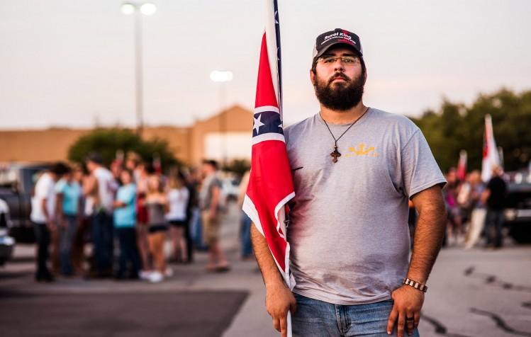 Matthew Heimbach  durant un rassemblment à Knoxville (Tennessee)