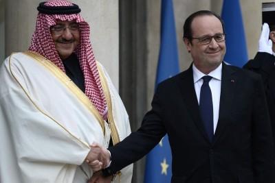 7782224367_le-president-hollande-a-remis-la-legion-d-honneur-a-un-ministre-saoudien