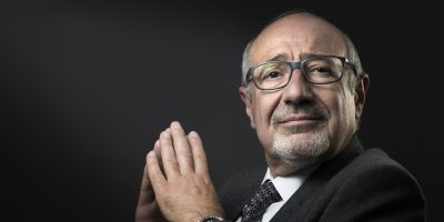 French Jewish Institutions Representative Council (Conseil Representatif des Institutions juives de France - CRIF) vice-President Francis Kalifat poses in Paris on May 26, 2016.  / AFP PHOTO / JOEL SAGET