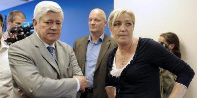 Marine-Le-Pen-a-Bruno-Gollnisch-Si-tu-n-es-pas-content-tu-peux-t-en-aller-!