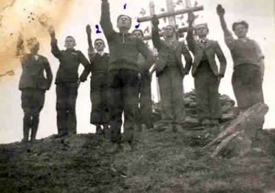 Gavrila-salutand-la-Crucea-Legionara