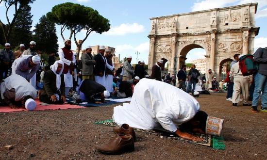 italie-manif-colons-islamiques-au-colisee-2