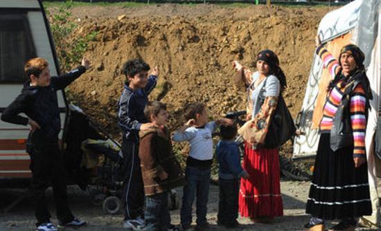 gironde-13-rroms-de-bulgarie-juges-pour-avoir-prostitue-leurs-enfants