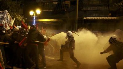 grece-la-visite-de-barack-obama-provoque-des-affrontements-a-athenes-1