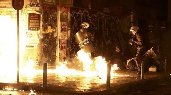grece-la-visite-de-barack-obama-provoque-des-affrontements-a-athenes-2