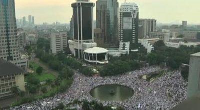 indonesie-manifestations-islamistes-monstres-contre-le-gouverneur-catholique-3