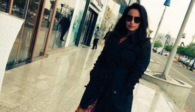 arabie-saoudite-une-jeune-femme-arretee-pour-une-photo-sans-voile