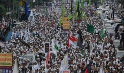 indonesie-nouvel-manifestation-islamiste-contre-le-gouverneur-chretien-de-jakarta